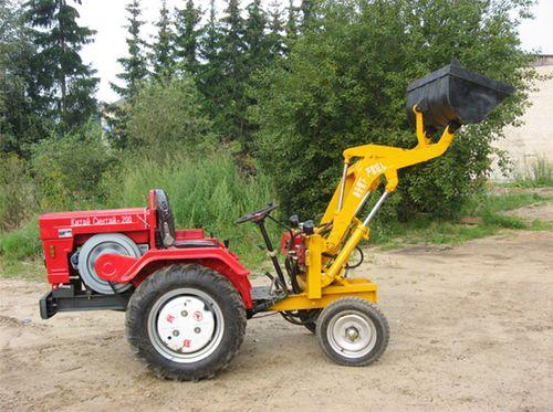 Китайский трактор с погрузчиком