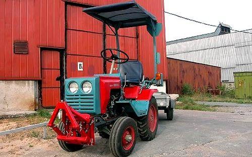 Minitraktor_kmz-012_06