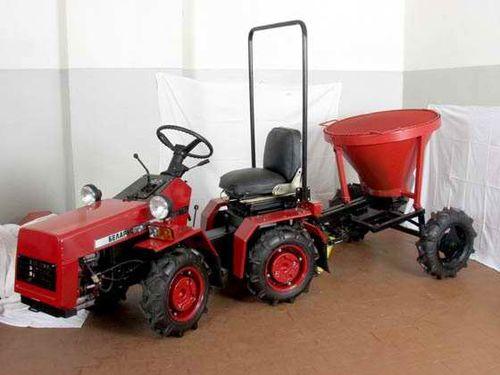 Minitraktory_MTZ_02