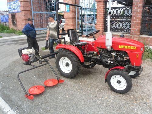 Minitraktory_Uralec_02