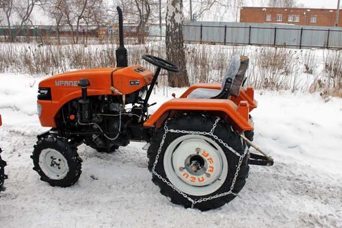 Minitraktory_Uralec_03
