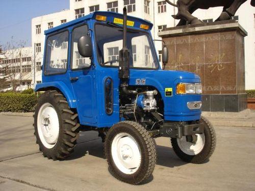 minitraktor_s_kabinoj_04